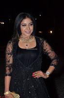Sakshi Agarwal looks stunning in all black gown at 64th Jio Filmfare Awards South ~  Exclusive 118.JPG