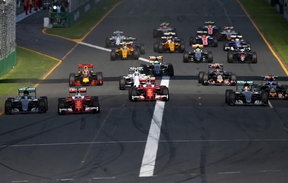 GP de Melbourne: Estratégia, superação e capotagem