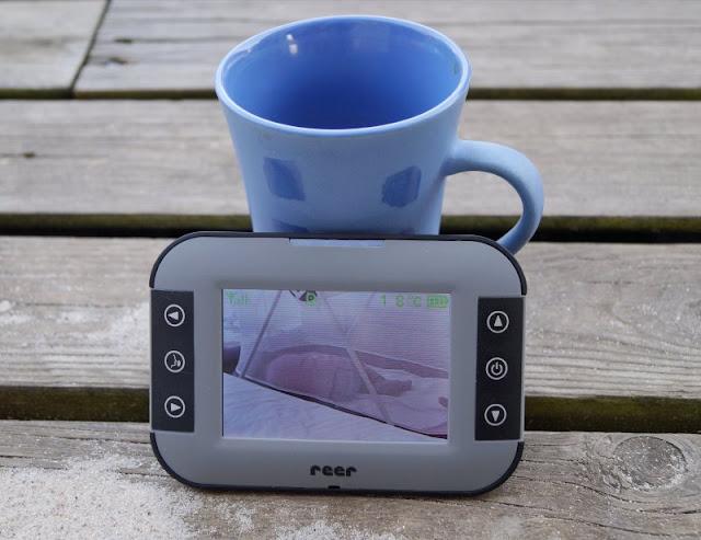 Entspant durch die Nacht: Das neue Video-Babyphone Mix & Match von reer im Test. Reichweiten-Test bestanden: Enstspannung auf der Terrasse ist möglich :)