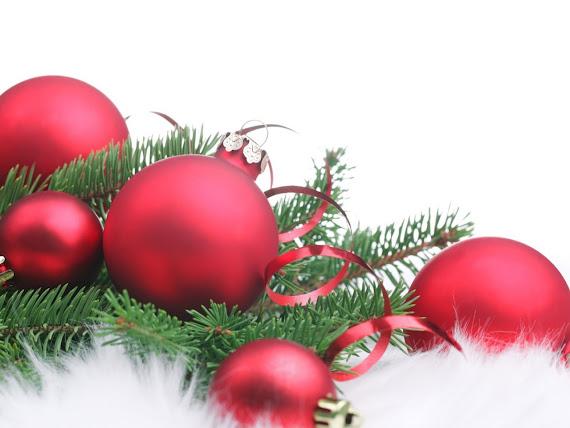 download besplatne pozadine za desktop 1280x960 slike ecard čestitke Merry Christmas Sretan Božić kuglice za bor