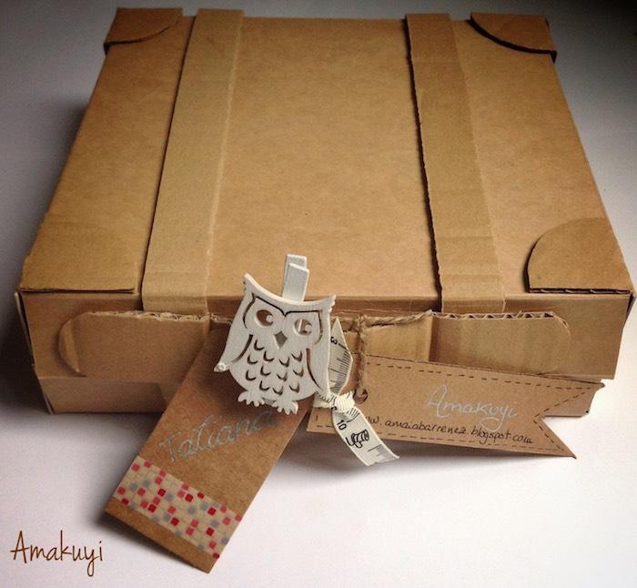 Maleta de cartón para un packaging viajero