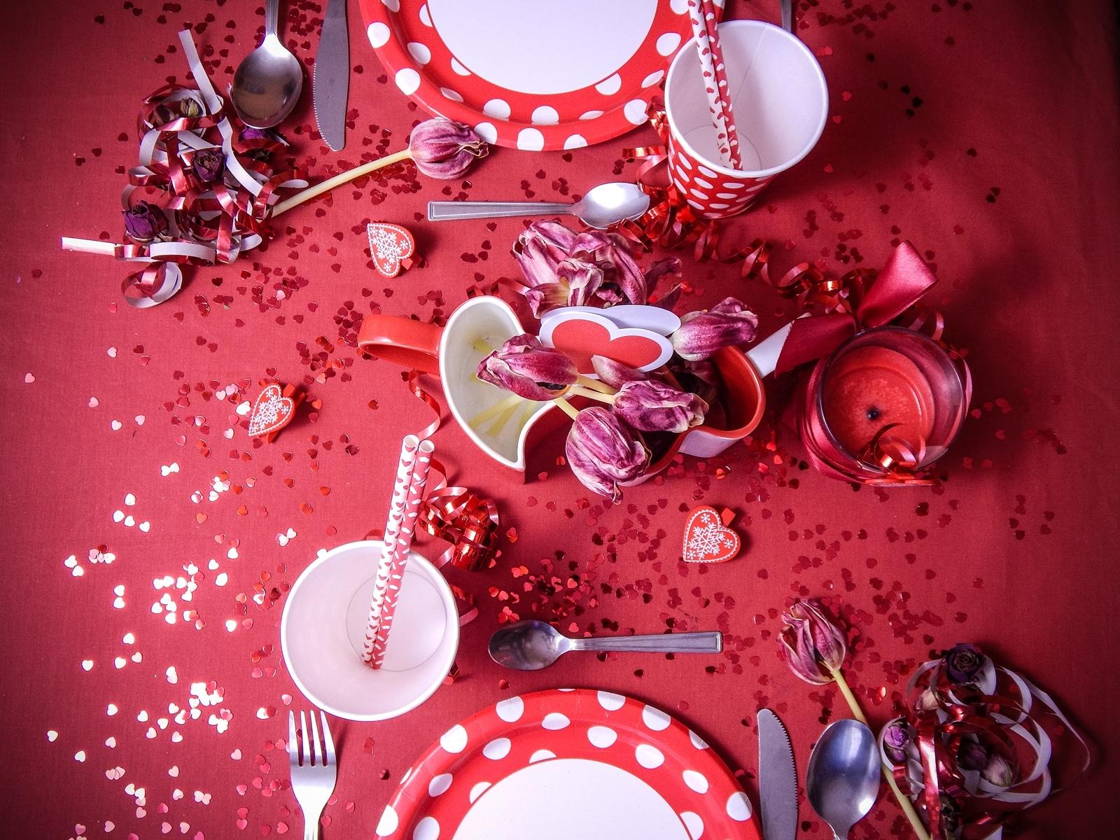 1 jak udekorować stół na walentynki walentynkowa kolacja pomysły na walentynkowe prezenty walentynkowe dekoracje home interior valentines blog melodylaniella partybox red
