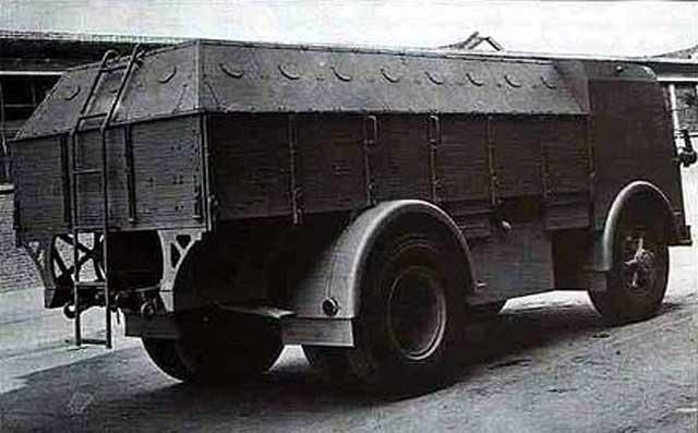 Italian armored personnel carrier, 2 January 1942 worldwartwo.filminspector.com