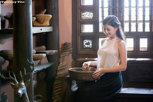 Hot girls Vietnamese girl selling medicines 4