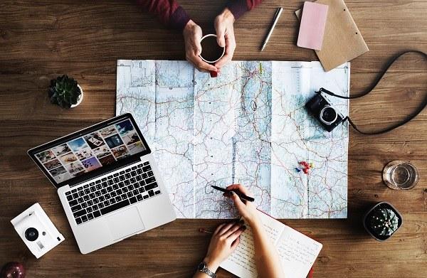keuntungan rental mobil online saat liburan