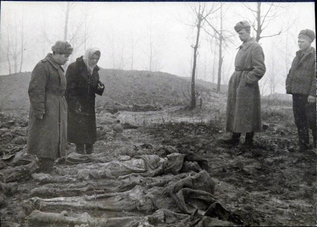 Эксгумация трупов в Сырецком концлагере, Киев, 1944 год