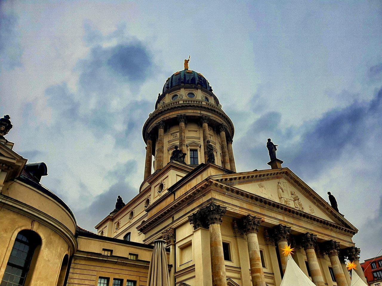 Katedra Francuska na Gendarmenmarkt w Berlinie.