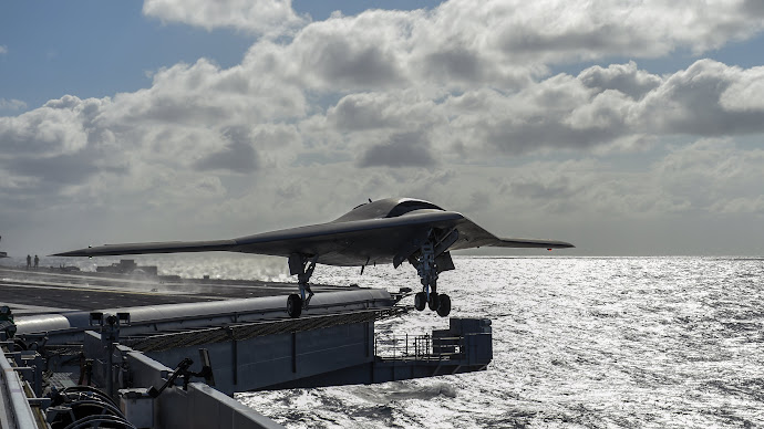 Wallpaper: X-47B take-off from Aircraft Carrier USS