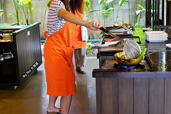 曼谷烹飪學校 Bangkok Baipai Thai Cooking School 斑蘭葉包雞 Pandanus leave chicken