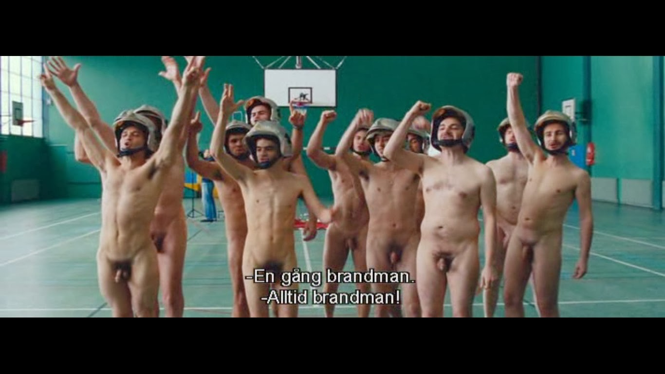 Naked guys in film 4