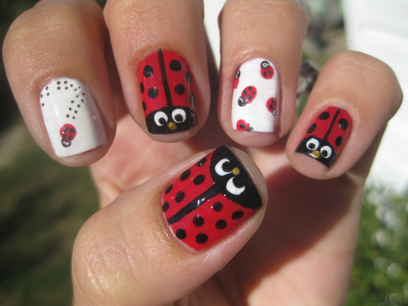 Nail Narcotics!: Ladybird Beetle Nails....AKA Lady bug