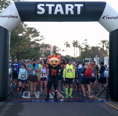 2015 Fiesta Bowl Half Marathon starting line
