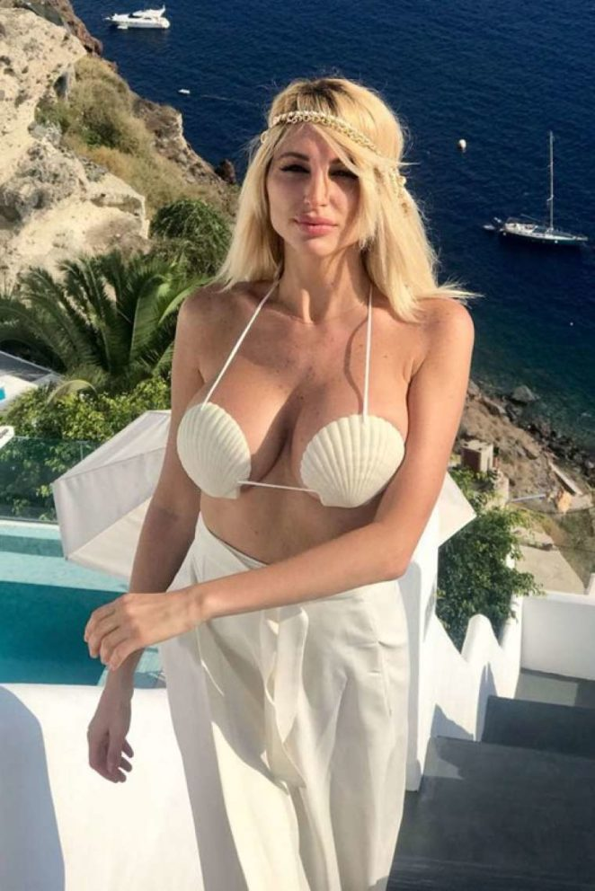 victoria xipolitakis hot white bikini pics 01
