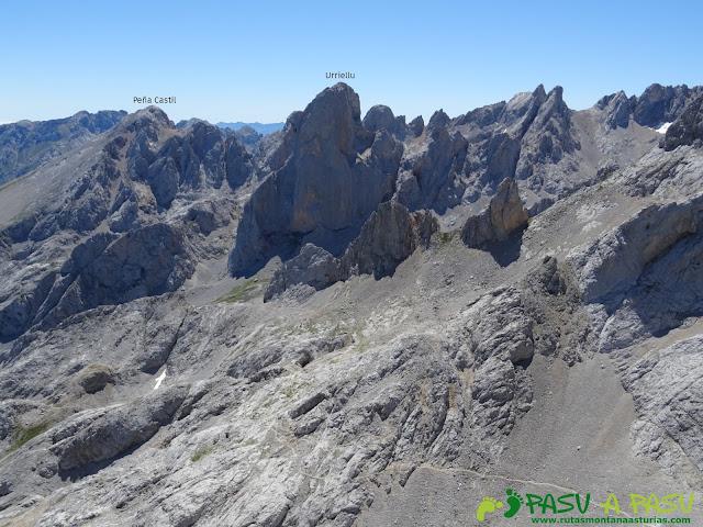Ruta Pandebano - Refugio de Cabrones: Vita del Urriellu desde la Torre Arenera II