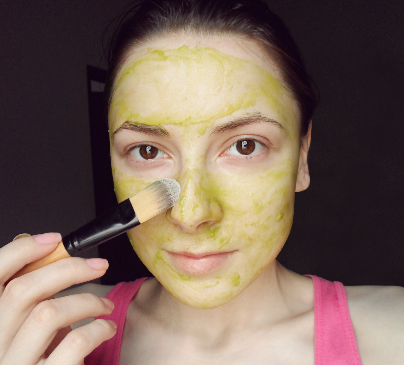 facial skin care homemade recipes masks fruit masks all skin types DIY at home liz breygel blogger Homemade Organic Avocado Face Mask liz breygel janaury girl blogger