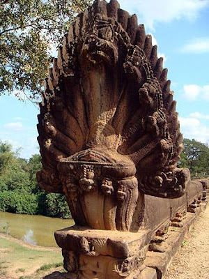 KHMER TRADITIONAL: Dragon symbols and beliefs Khmer architecture