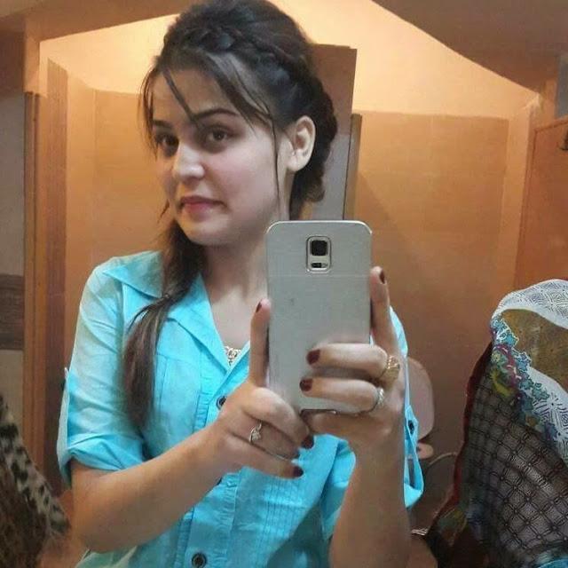 Smart Girls wallpaper, Indian College girls pic