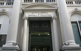 Bancos vuelven a pagar más del 30% en plazo fijo