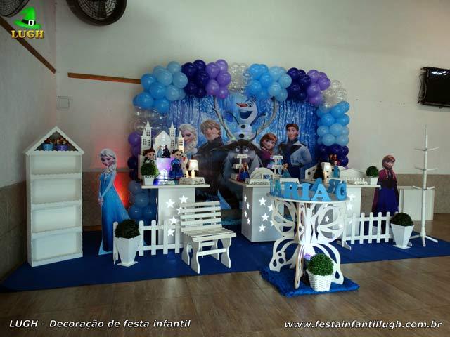 Decoração festa Frozen para aniversário feminino em mesa provençal - Recreio - RJ