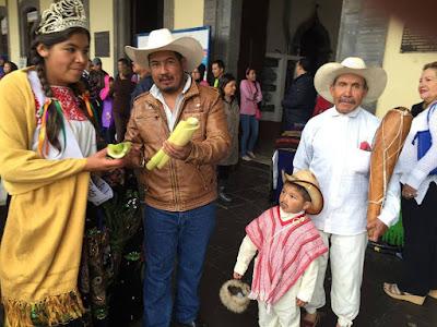 Primeras fotografias de la Gran Feria de la Manzana