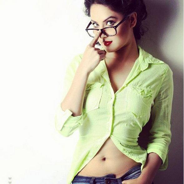 Pooja Banerjee Top 10 Photos