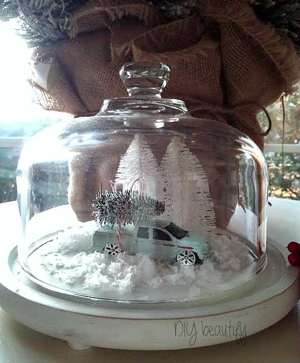 Create this wintry scene from dollar store items! See more at www.diybeautify.com