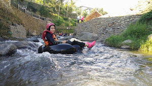 Tips Aman Bermain Games Air River Tubing