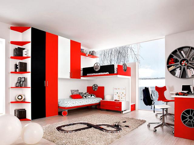 Desain kamar anak laki-laki bertema otomotif dengan dekorasi warna merah dan hitam