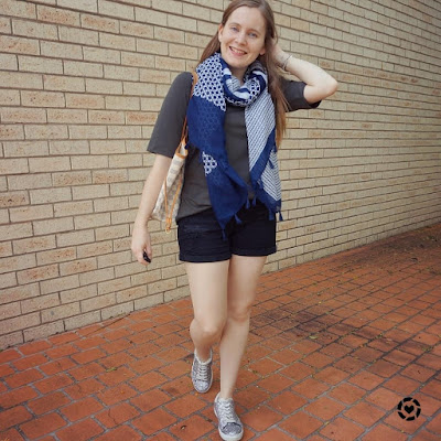 awayfromblue instagram shorts and tee outfit black and olive with navy geometric printed scarf louis vuitton neverfull