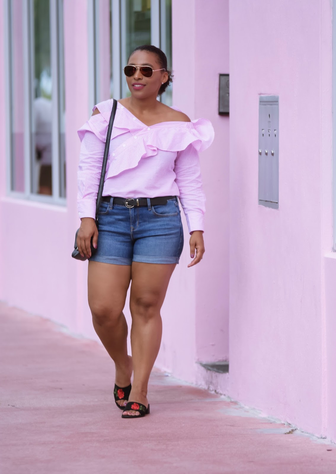 How To Relax After A Long Week, pink ruffle top, cold shoulder, pink house, miami, south beach, summer outfits, cutoff, sheinside tops, shein,