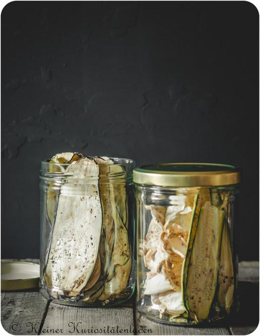 Getrocknete Gemüsechips (Zucchini, Aubergine, Sellerie)