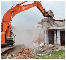 नीमकाथाना में पालिका प्रशासन द्वारा अतिक्रमण हटाने पर लोगो ने किया विरोध।