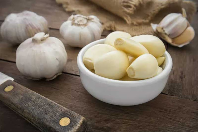 5 Health Benefits of Garlic That Make It Worth the Bad Breath