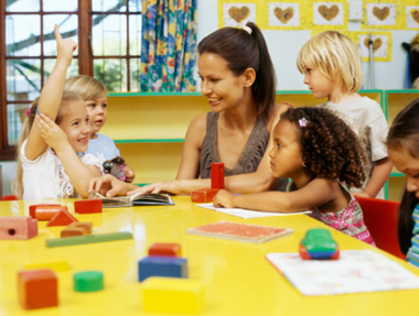 Choose Babysitter Or Daycare? Here Are The Advantages And Disadvantages