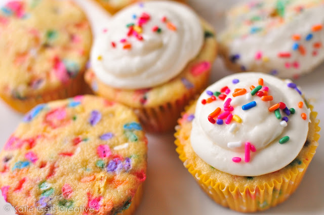 Easy Homemade Funfetti Cupcakes from Katie Gets Creative