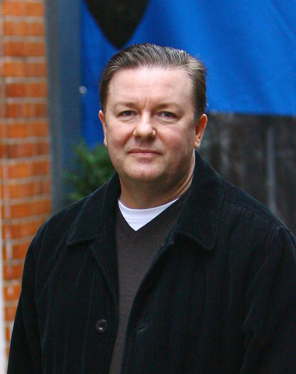 Latest Wallpaper Girl Ricky Gervais Photos Tv Series Posters And Cast