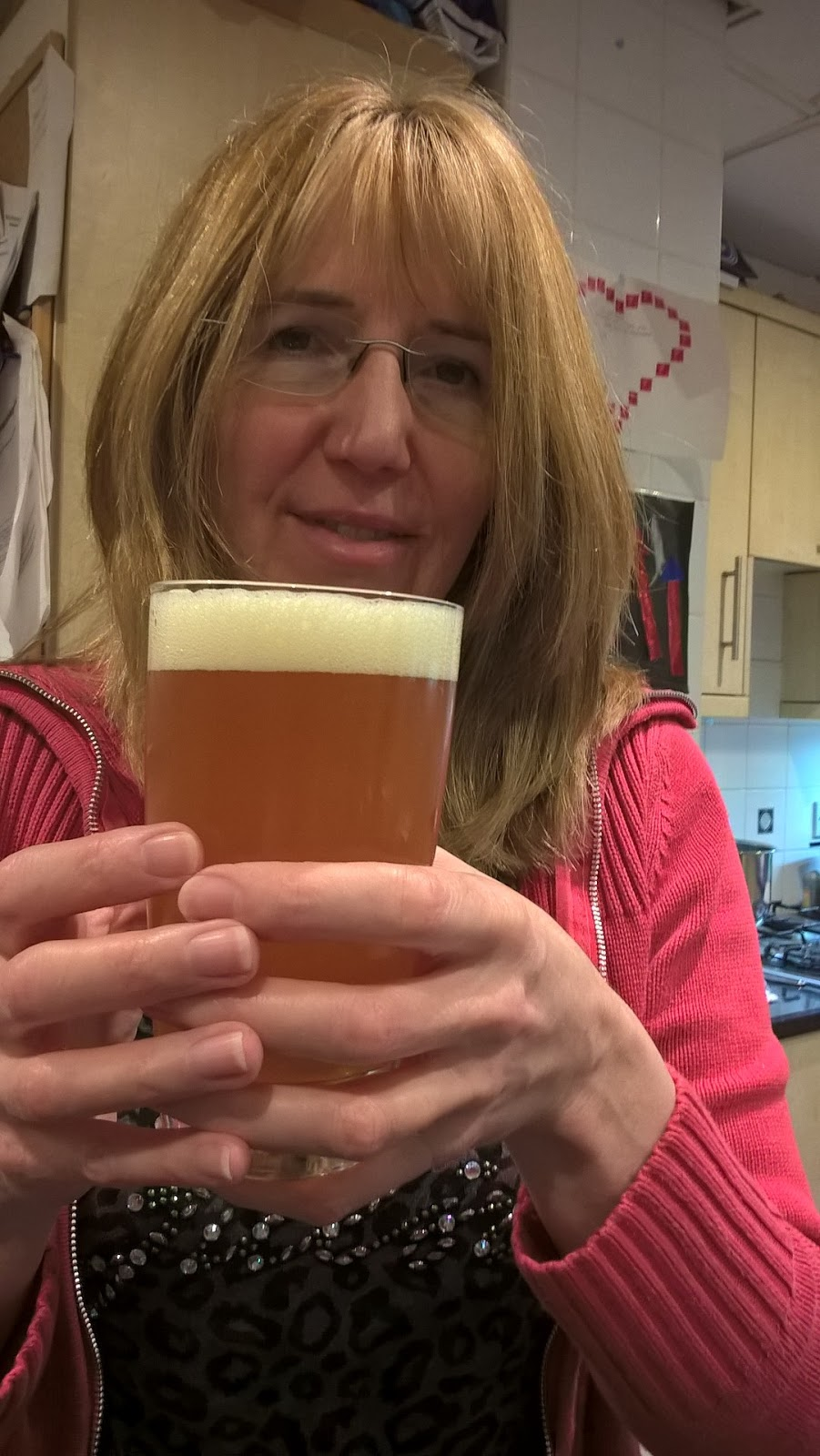 Linda Hobbis with Brewbarrel India Pale Ale - review & giveaway - home brew - motherdistracted.co.uk