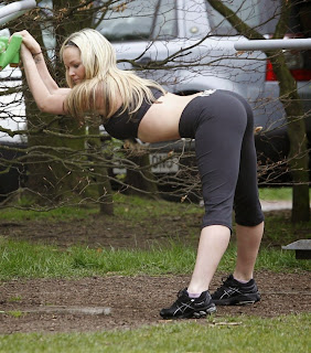 blonde big butt leggins