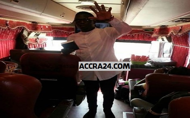 Akoo Nana spotted preaching in bus