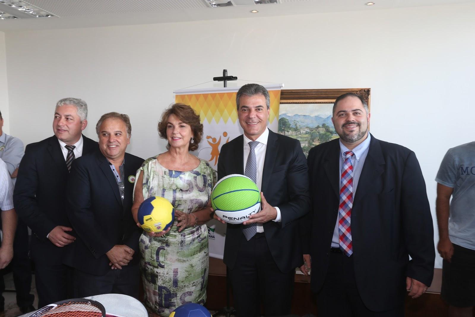 Guarapuava recebe kits esportivos    Blog Do Alencar Souza 56370df017cc7