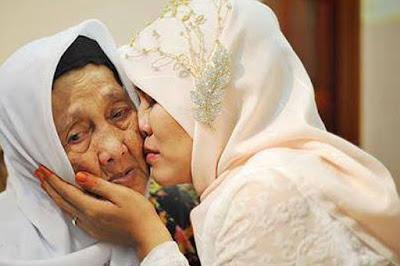 Tuhan, Aku Mencintai Ibuku Jadi Izinkan Aku Membahagiakannya.AMIN !. BAGI YANG MENCINTAI IBU TOLONG BAGIKAN AGAR KITA SEMUA LEBIH MENCINTAI IBU KITA..JADIKAN ARTIKEL INI SEBAGI PEDOMAN KITA UNTUK BISA MEMBAHAGIKAN IBU KITA..