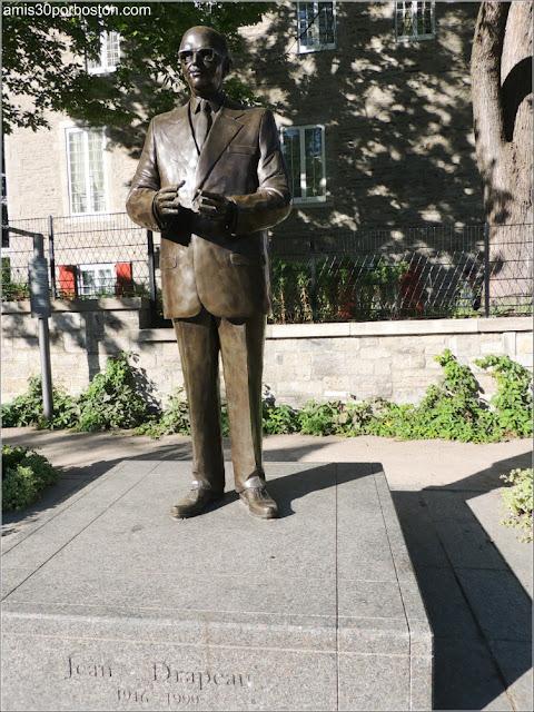 Escultura del Ex-alcalde de Montreal, Jean Drapeau