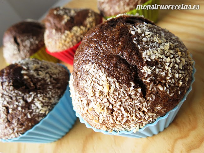 Magdalenas de chocolate y coco. Infusiones