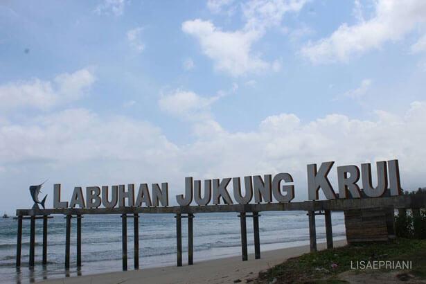Pantai Labuhan Jukung Krui