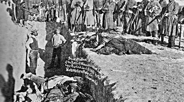Pembantaian Orang Indian Sioux oleh Tentara Kavaleri 7 AS 1890