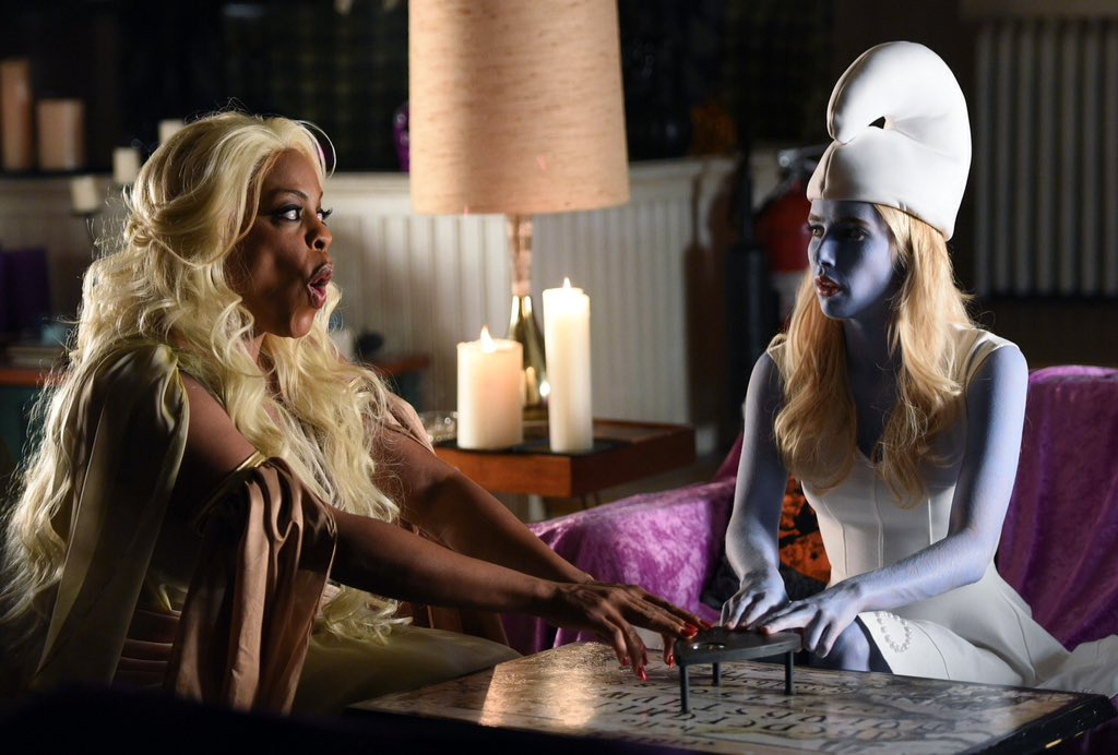 denise hemphill chanel oberlin scream queens halloween blues