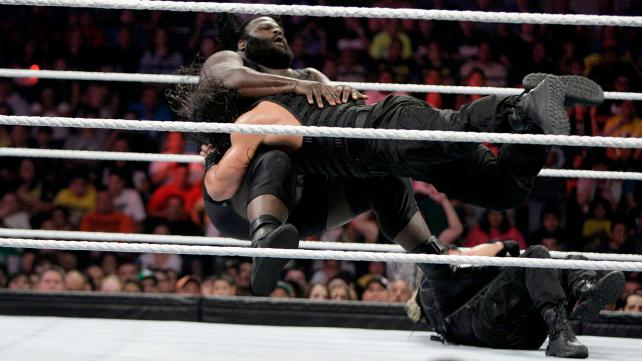 WWE In live!!!!: 6-MAN TAG TEAM MATCH