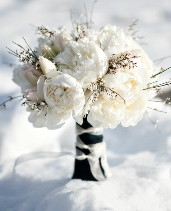 Winter Wedding Flower Bouquets: Runway Fashions About Weddings: Perfect Winter Wedding