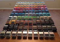 гитарные примочки разноцветные