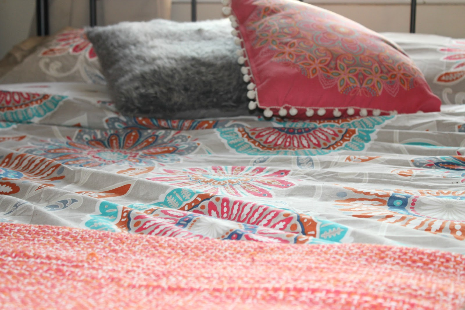 Aria Coral Bohemian Easy Care Reversible Duvet set